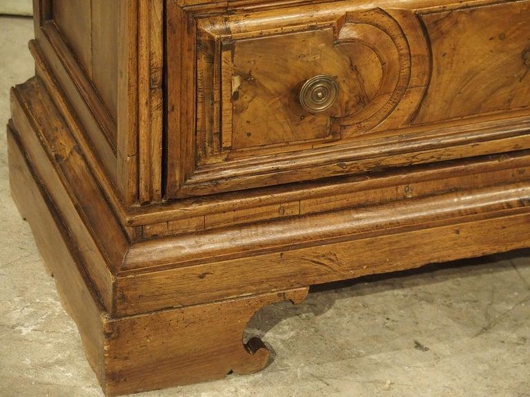 18th Century Italian Burl Walnut Chest of Drawers For Sale 11