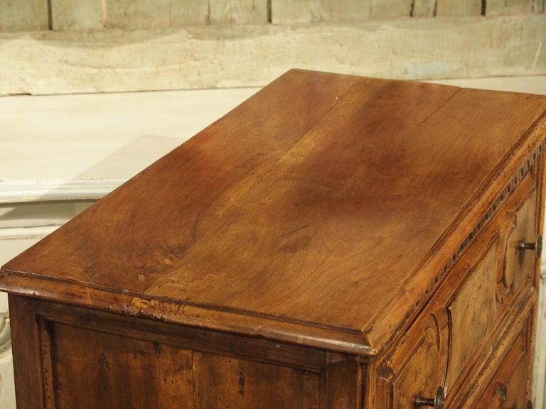 18th Century Italian Burl Walnut Chest of Drawers For Sale 2