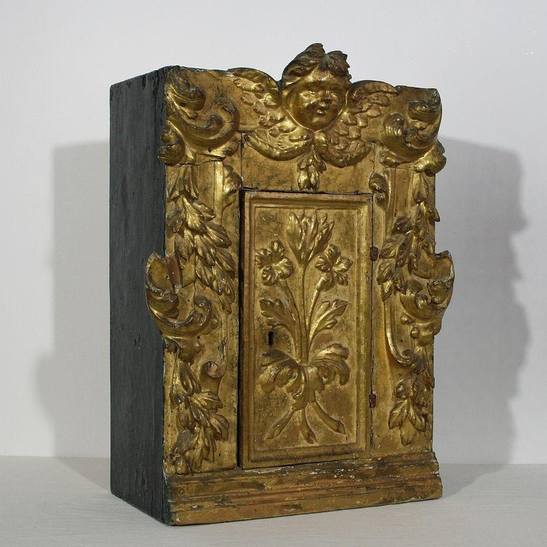 Hand-Carved 18th Century Italian Carved Giltwood Baroque Tabernacle with Angel For Sale
