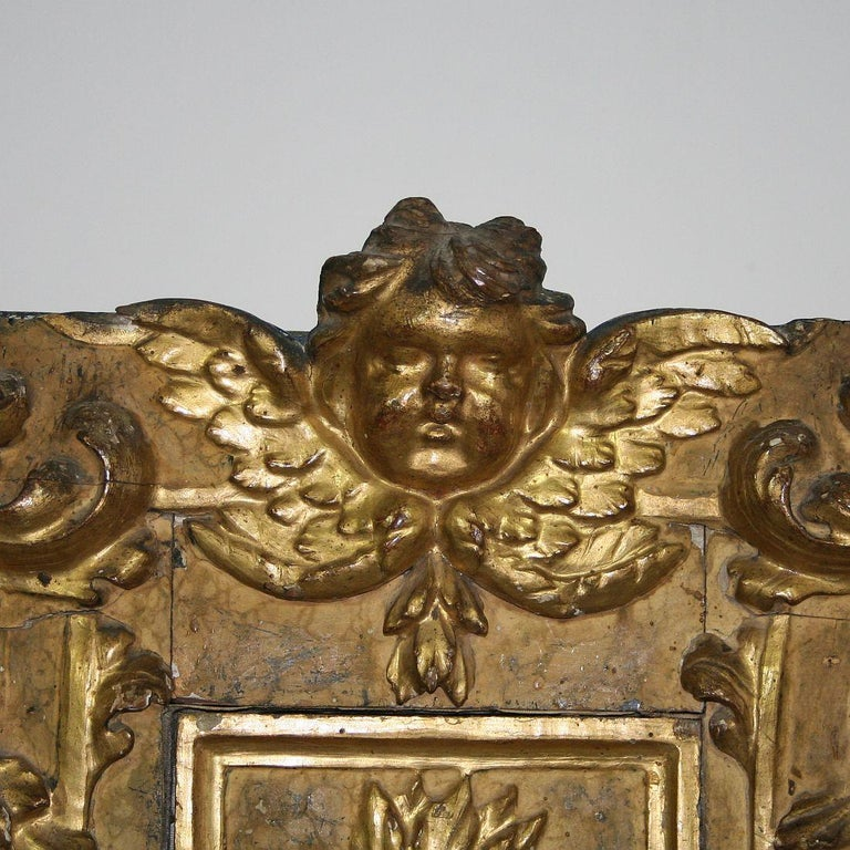 18th Century Italian Carved Giltwood Baroque Tabernacle with Angel For Sale 2