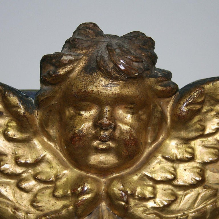 18th Century Italian Carved Giltwood Baroque Tabernacle with Angel For Sale 3
