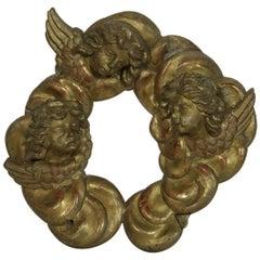 18. Jahrhundert Italienische Geschnitzte Vergoldete Ornament der Drei Barocken Engel