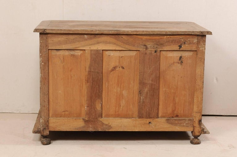 An 18th C. Italian Carved Walnut Wood 2-Door & Single Drawer Buffet Credenza For Sale 5