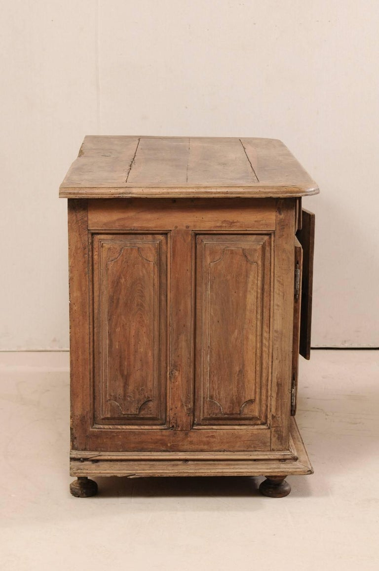 An 18th C. Italian Carved Walnut Wood 2-Door & Single Drawer Buffet Credenza In Good Condition For Sale In Atlanta, GA