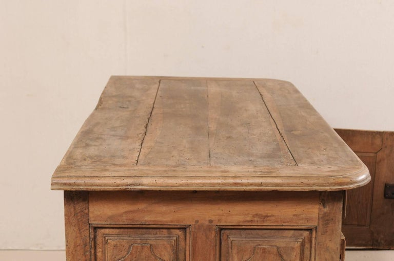 An 18th C. Italian Carved Walnut Wood 2-Door & Single Drawer Buffet Credenza For Sale 2