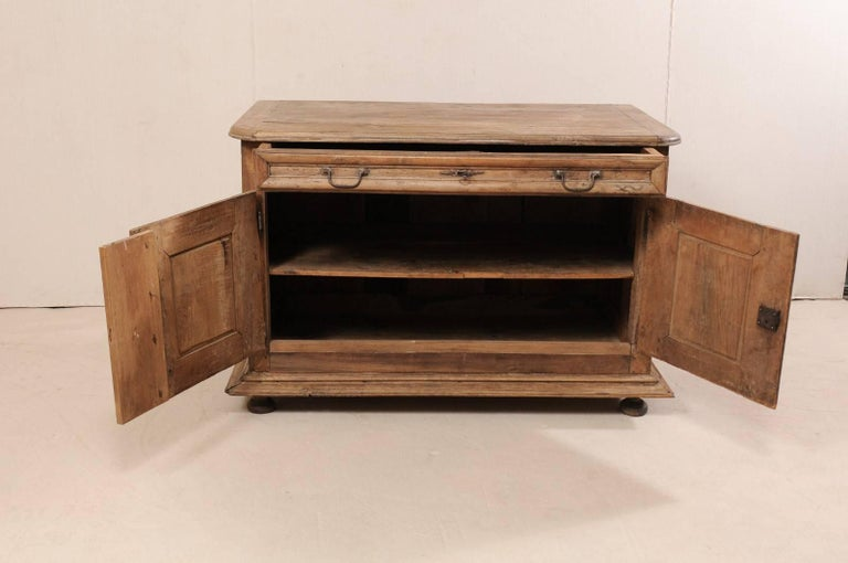 An 18th C. Italian Carved Walnut Wood 2-Door & Single Drawer Buffet Credenza For Sale 3
