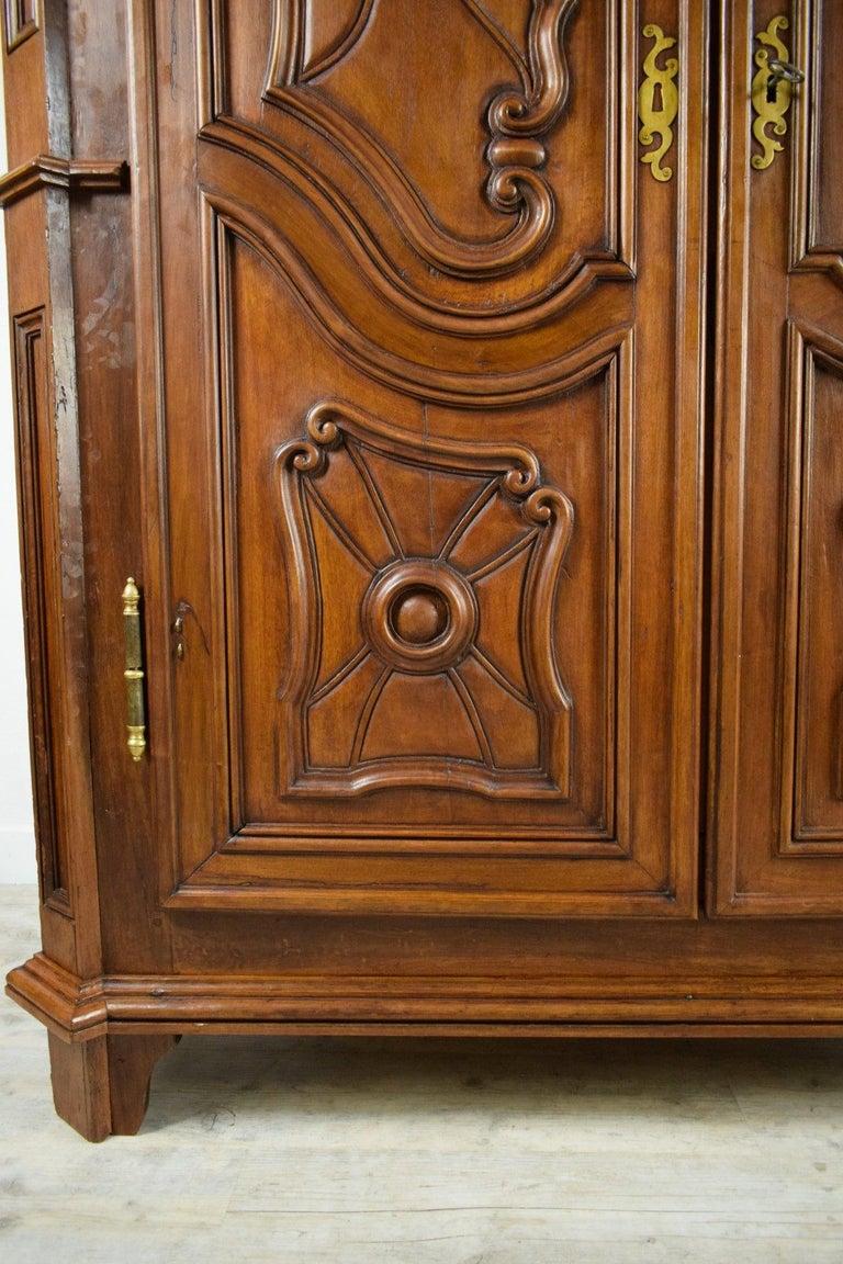 18th Century Italian Carved Walnut Wood Wardrobe  For Sale 5