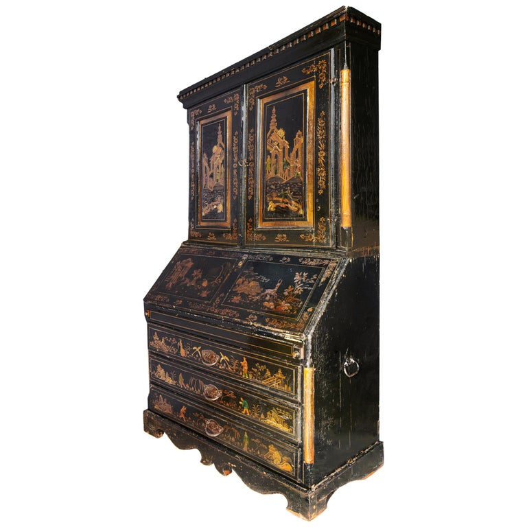 18th Century Italian Chinoiserie Lacquer Bureau Bookcase For Sale 7