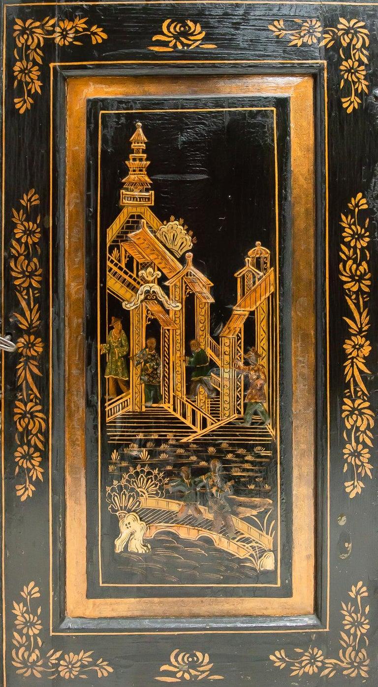 18th Century Italian Chinoiserie Lacquer Bureau Bookcase For Sale 1