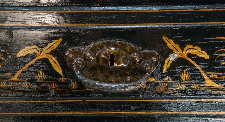 18th Century Italian Chinoiserie Lacquer Bureau Bookcase For Sale 4
