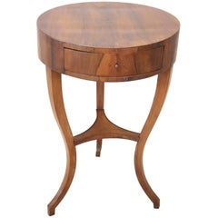 18th Century Italian Directoire Walnut Round Side Table or Pedestal Table