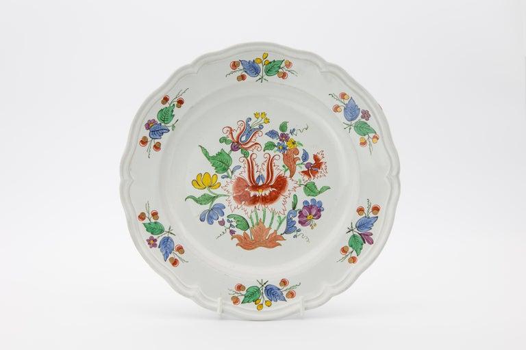 Rococo 18th Century Italian Doccia Porcelain Dinner Service For Sale