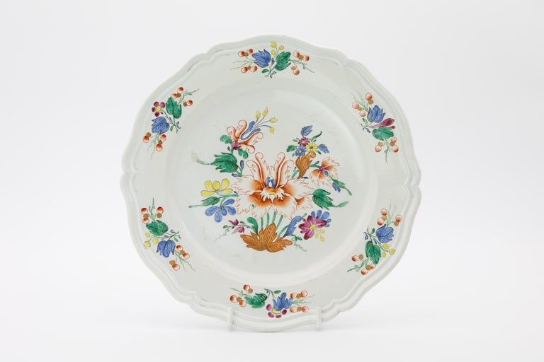 18th Century Italian Doccia Porcelain Dinner Service In Good Condition For Sale In Fort Lauderdale, FL