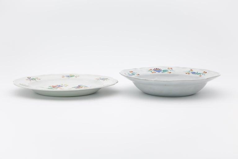 18th Century Italian Doccia Porcelain Dinner Service For Sale 3