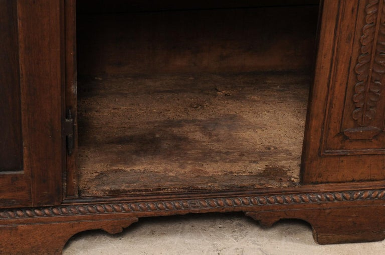 18th Century Italian Exquisitely Carved Walnut Wood Credenza Sideboard For Sale 7