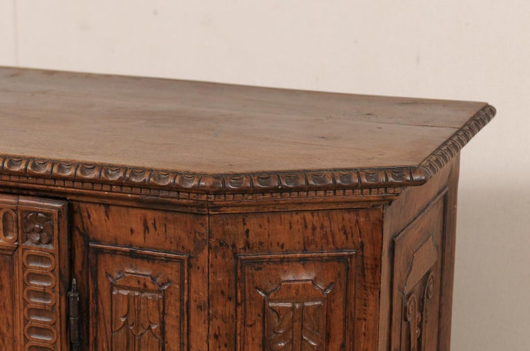 18th Century and Earlier 18th Century Italian Exquisitely Carved Walnut Wood Credenza Sideboard For Sale
