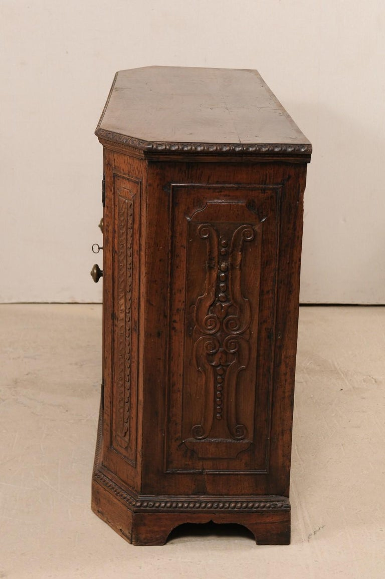 18th Century Italian Exquisitely Carved Walnut Wood Credenza Sideboard For Sale 3