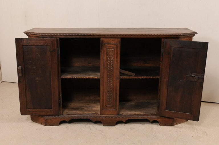 18th Century Italian Exquisitely Carved Walnut Wood Credenza Sideboard For Sale 5