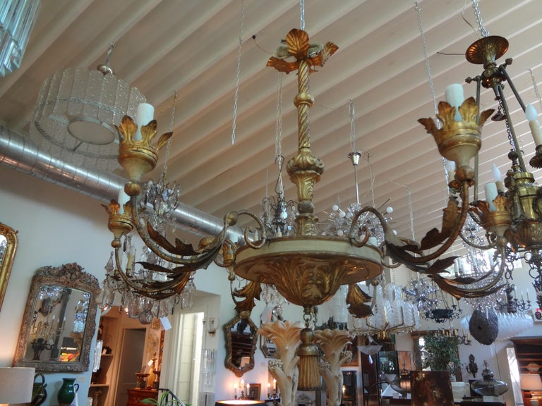 18th Century Italian Genovese Giltwood Chandelier For Sale 7