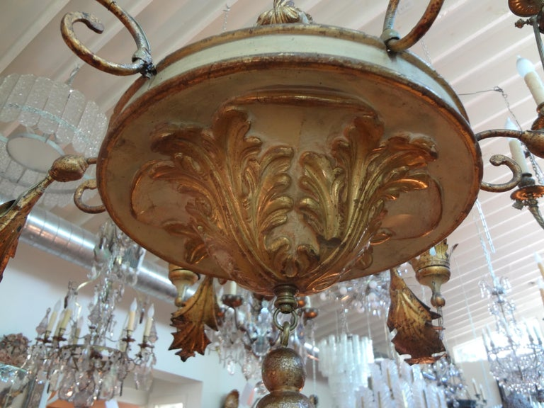 Baroque 18th Century Italian Genovese Giltwood Chandelier For Sale
