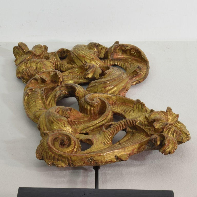18th Century Italian Giltwood Baroque Curl Ornament For Sale 15