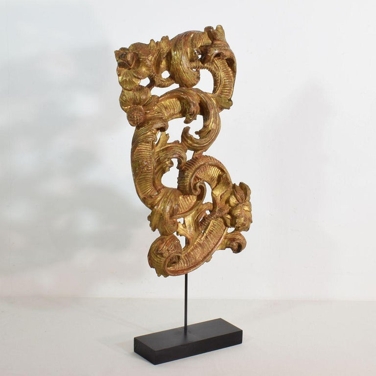 18th Century Italian Giltwood Baroque Curl Ornament In Good Condition For Sale In Amsterdam, NL