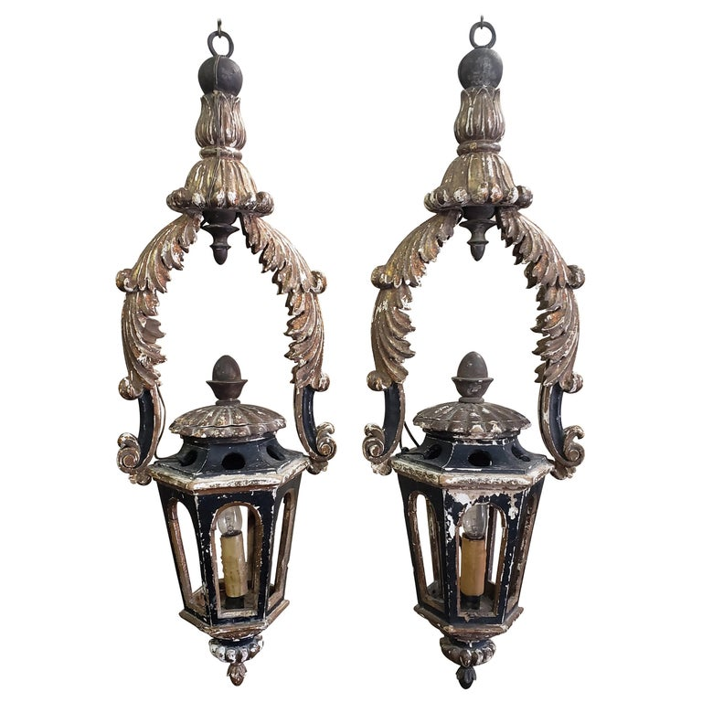 Pair of Italian gold leaf and black lanterns, 18th century, offered by Tara Shaw Ltd.