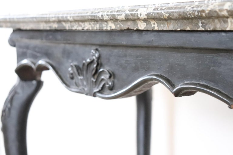 18th Century Italian Louis XV Walnut Carved Center Hall Table with Marble Top For Sale 2