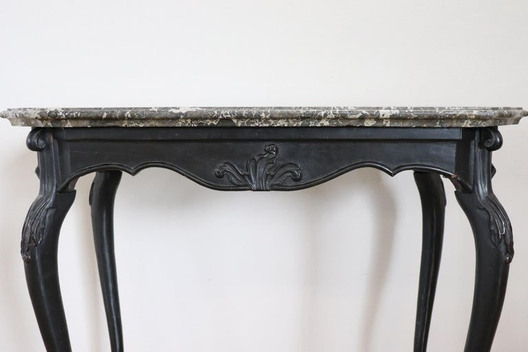 18th Century Italian Louis XV Walnut Carved Center Hall Table with Marble Top For Sale 4