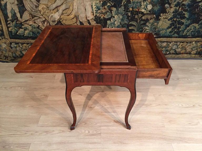 18th Century, Italian Louis XV Wood Center Desk For Sale 6