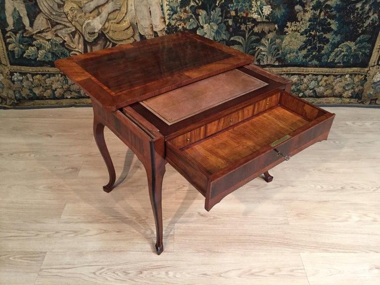 18th Century, Italian Louis XV Wood Center Desk For Sale 2