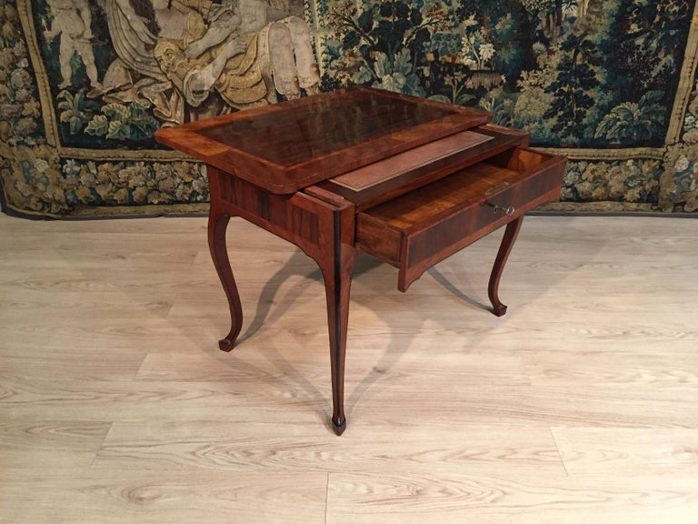 18th Century, Italian Louis XV Wood Center Desk For Sale 5