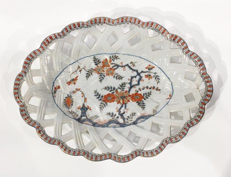 Glazed 18th Century Italian Maiolica Five Dishes, Milano, circa 1770 For Sale