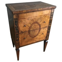 18th Century Italian Neoclassical Walnut and Marquetry Commodino