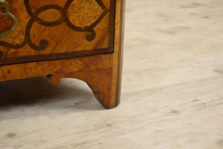 18th Century, Italian Olive Wood Paved and Inlaid Cest of Drawers For Sale 6