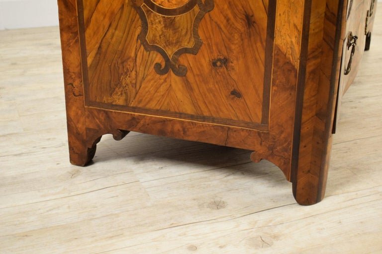18th Century, Italian Olive Wood Paved and Inlaid Cest of Drawers For Sale 3