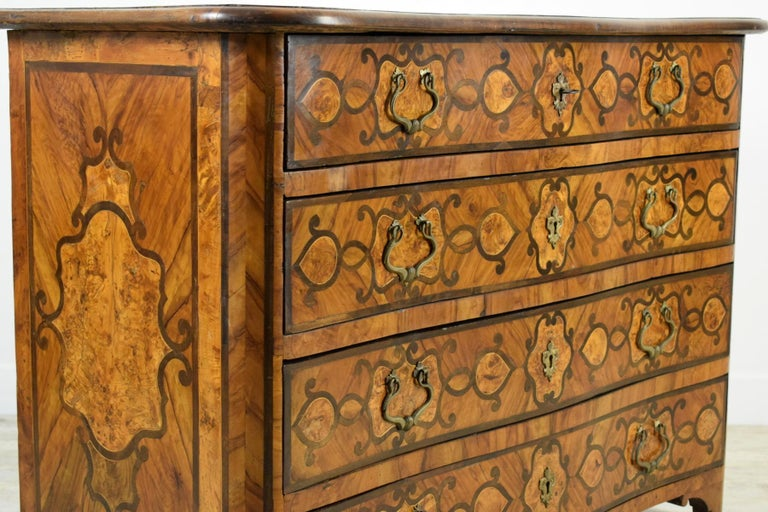 18th Century, Italian Olive Wood Paved and Inlaid Cest of Drawers For Sale 4
