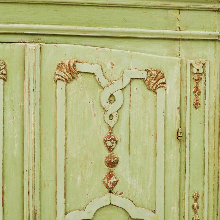 18th Century Italian Rococo Cabinet in Original Green Color For Sale 5