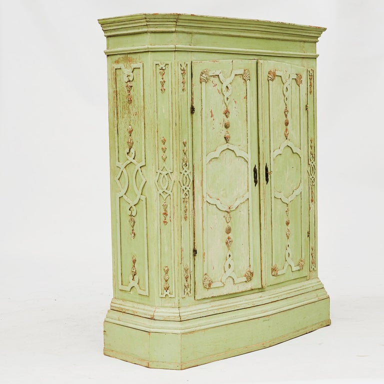 18th Century Italian Rococo Cabinet in Original Green Color For Sale 7