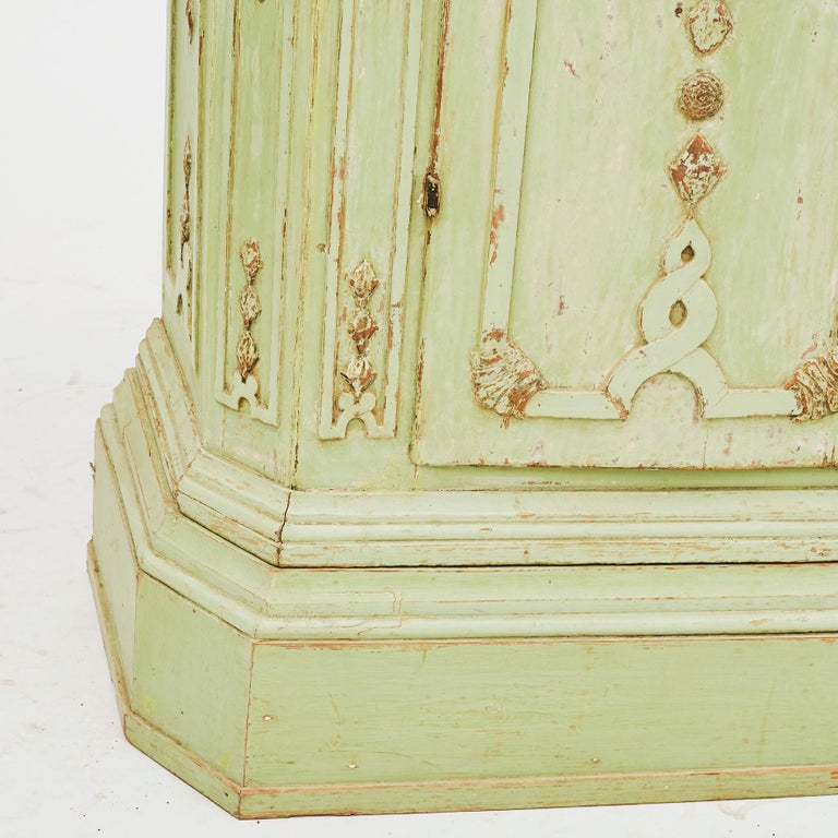 18th Century Italian Rococo Cabinet in Original Green Color For Sale 3