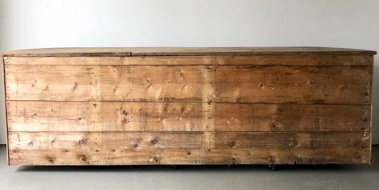 18th century Italian Sideboard For Sale 4