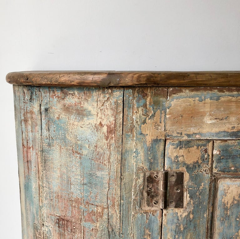 18th century Italian Sideboard In Distressed Condition For Sale In Charleston, SC