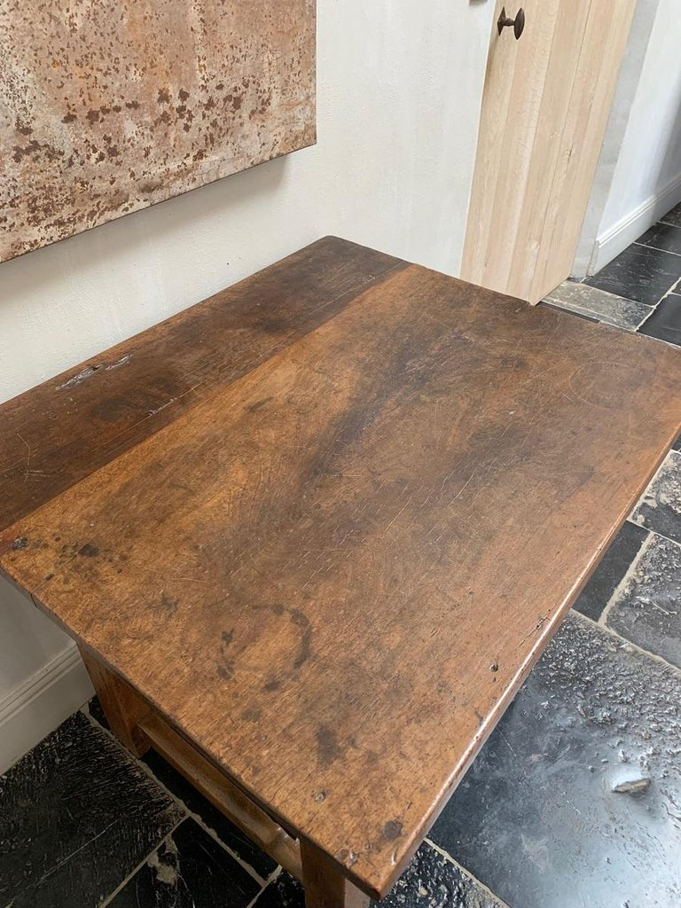 18th Century Italian Side Table Rent Table For Sale 2