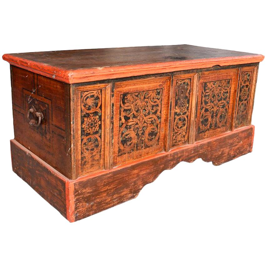 Italian wood furniture Luxury Leather 18th Century Italian Wooden Painted Chest With Original Ironwork For Sale Artemest 18th Century Italian Wooden Painted Chest With Original Ironwork For