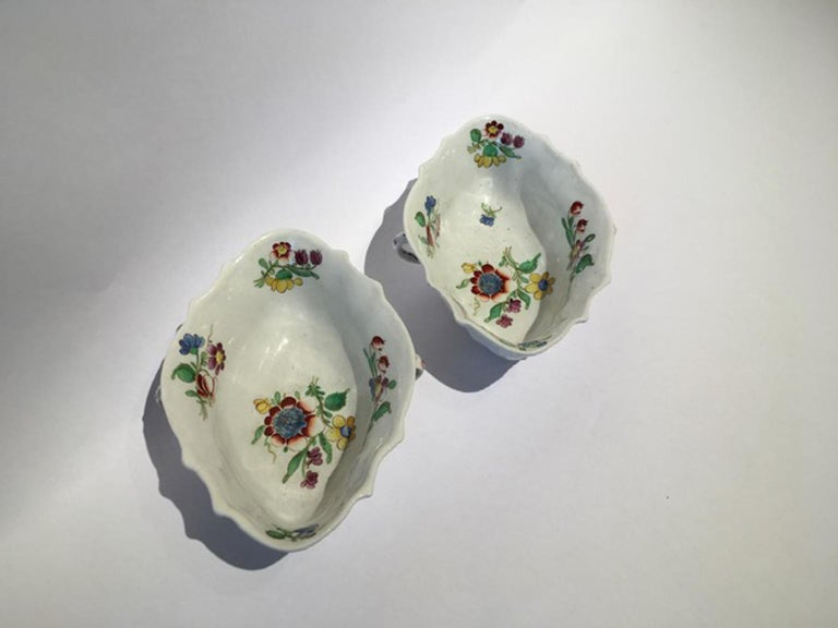 18th Century Italy Richiard Ginori Doccia Pair of Porcelain Sauce Bowls For Sale 4
