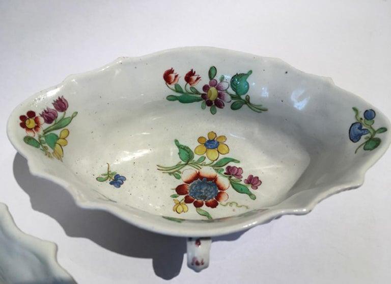 Baroque 18th Century Italy Richiard Ginori Doccia Pair of Porcelain Sauce Bowls For Sale