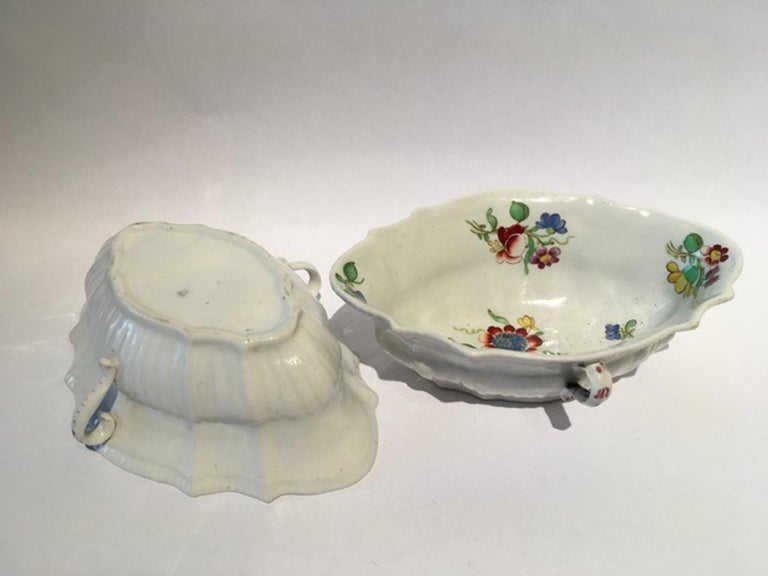 Hand-Crafted 18th Century Italy Richiard Ginori Doccia Pair of Porcelain Sauce Bowls For Sale