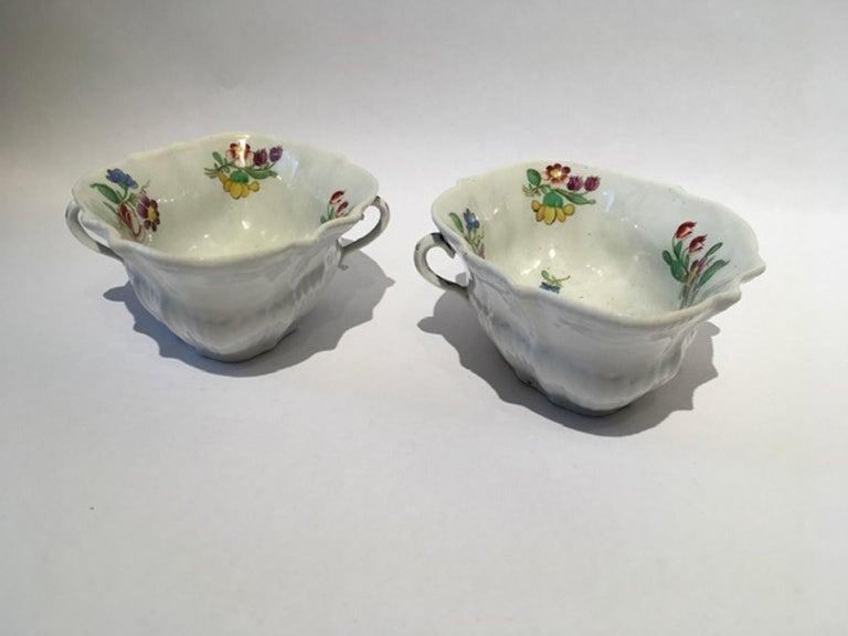 18th Century Italy Richiard Ginori Doccia Pair of Porcelain Sauce Bowls For Sale 3