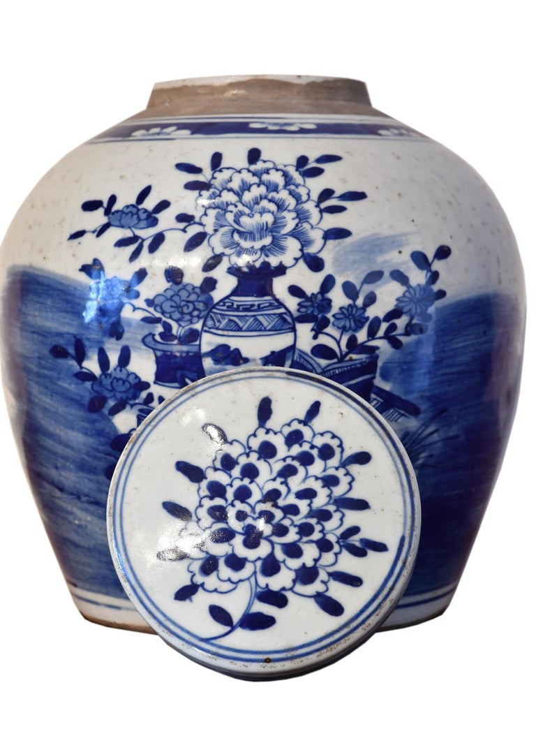 Kangxi Blue & White Chinese Porcelain Jar w/ One Hundred Treasures Motif, c 1750 In Good Condition For Sale In Miami, FL