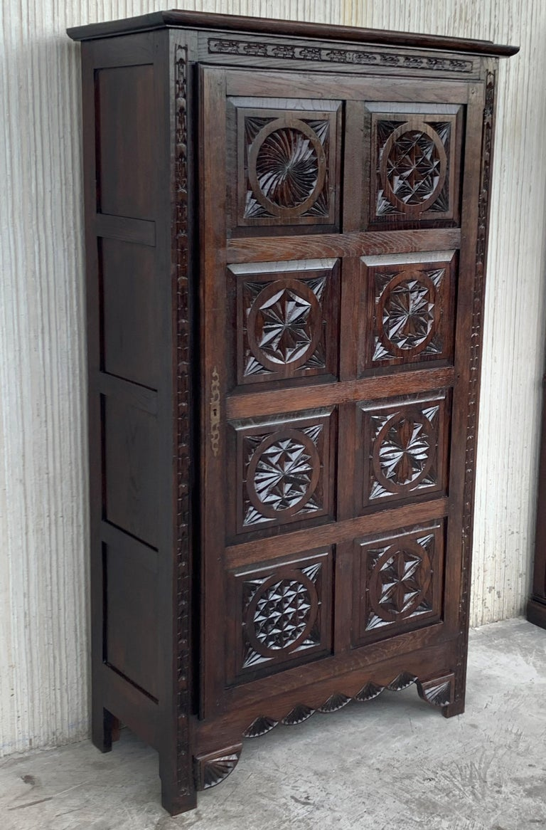 18th Century Kitchen Cabinet with One Door, Oak, Castalan Influence, Spain In Good Condition For Sale In Miami, FL